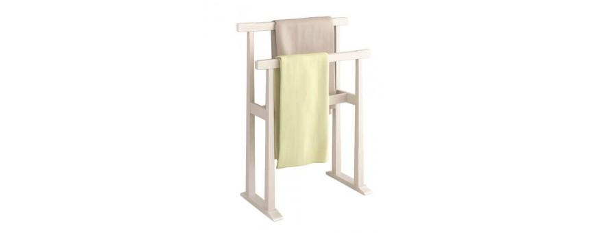 Κουρτίνες, χαλάκια και απλώστρες για πετσέτες